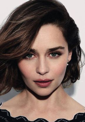 Emilia Clarke, noua imagine Dolce & Gabbana pentru parfumul The One for Her
