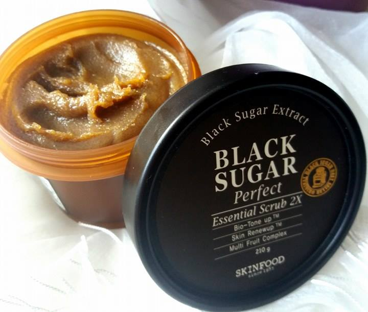 Black Sugar Perfect Essential Scrub_Skinfood_Sephora